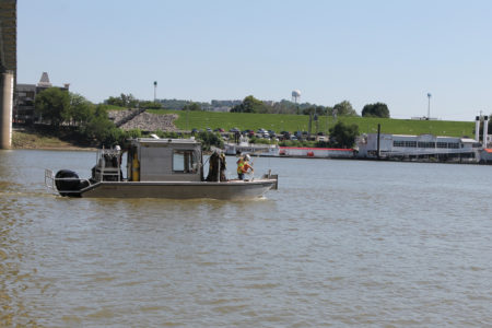 dive-boat-rgb